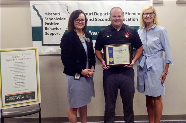 Westchester Elementary School receives the Missouri Schoolwide Positive Behavior Support